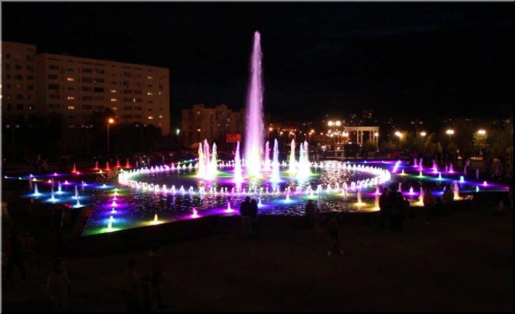 Новый фонтан в парке Победы
