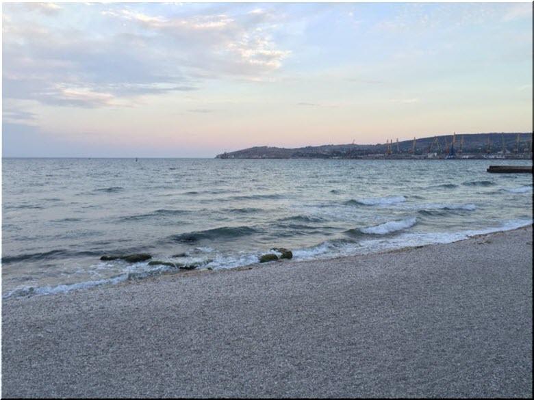море у пляжа Камушки