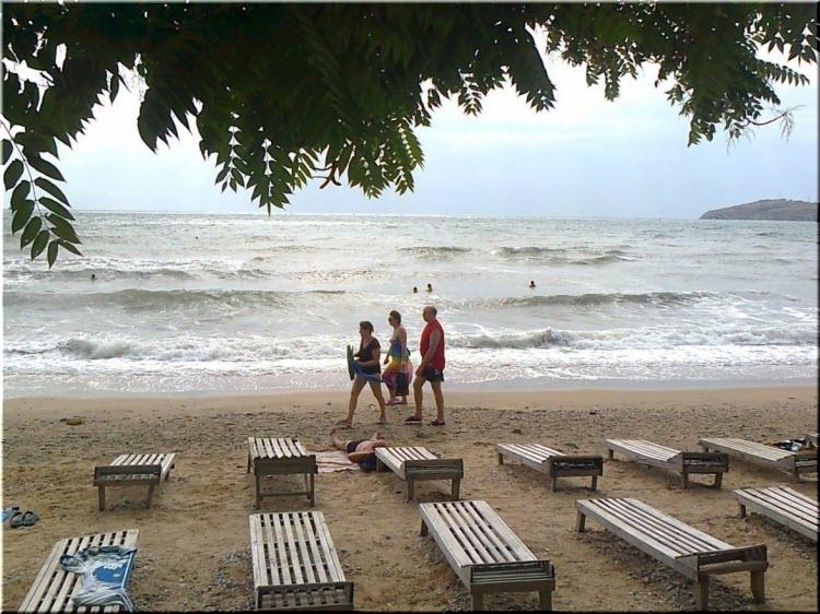 на пляже Динамо
