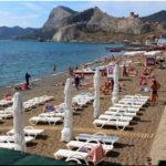 Центральный пляж — самый популярный в городе Судак