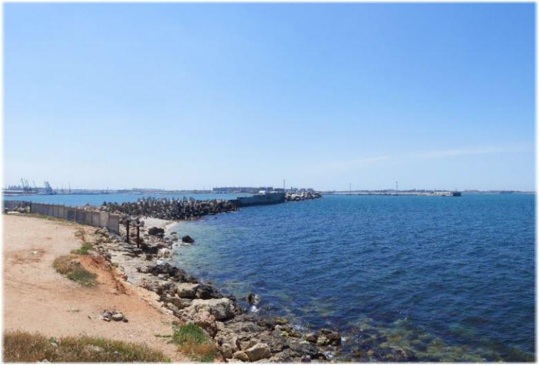 дикие пляжи Камышовой бухты