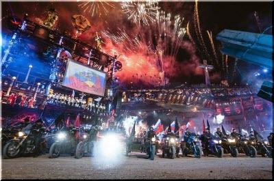 фото с байк-шоу в Севастополе в 2018-м