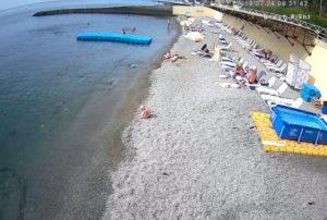 фото с камеры на пляже санатория Голден