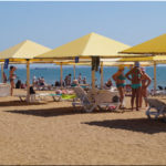 SunDali — лучший городской пляж в Керчи (Крым)