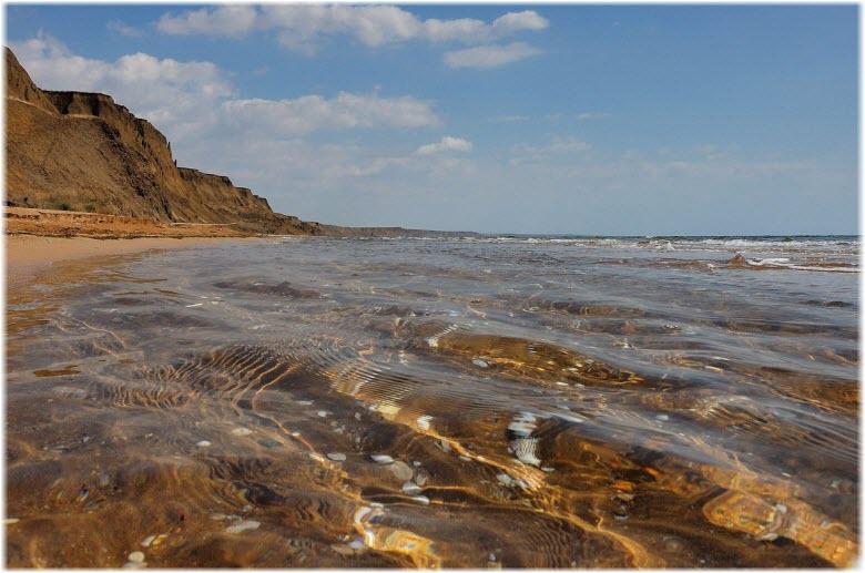 на пляже Песчанка