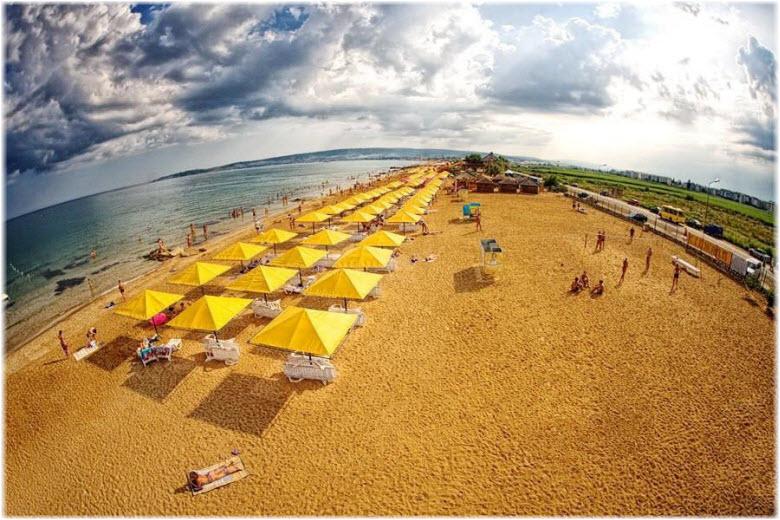 Золотой пляж в Крыму
