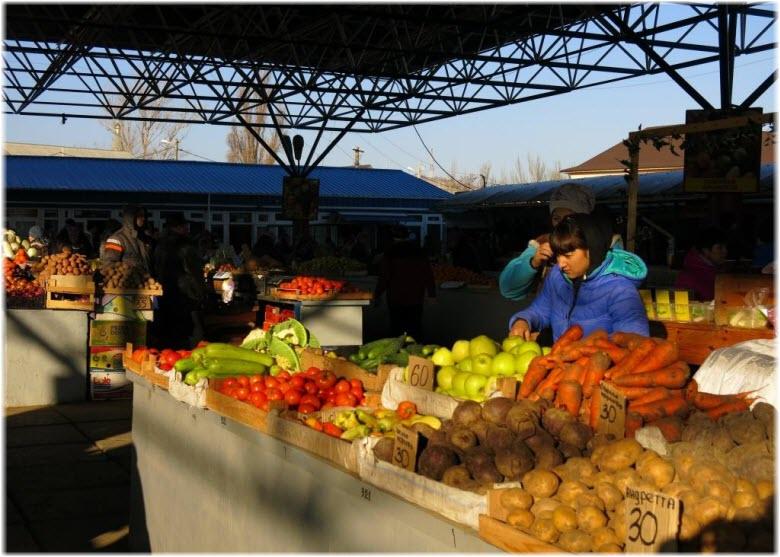 рядами Крымского рынка