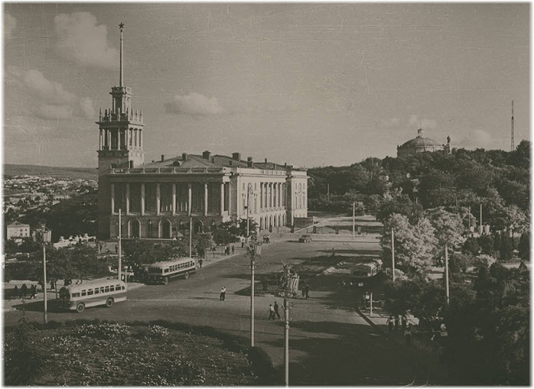 старое фото Матросского клуба