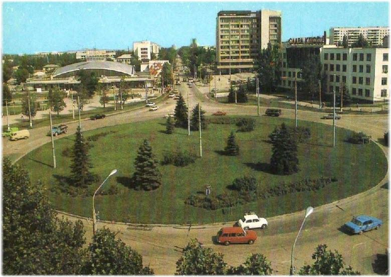 старое фото площади Куйбышева