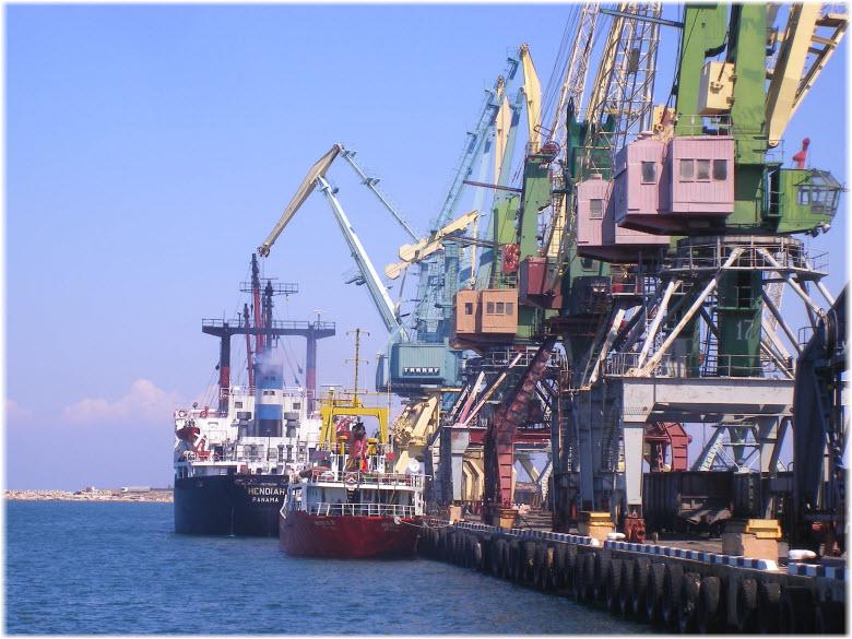 грузовой терминал порта