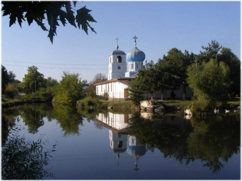 Храм Всех Крымских святых