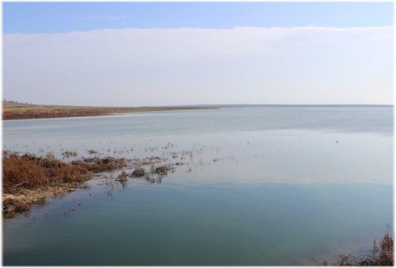 поверхность Фронтового водохранилища