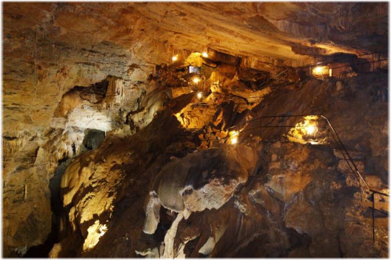 в пещере Ялтинская