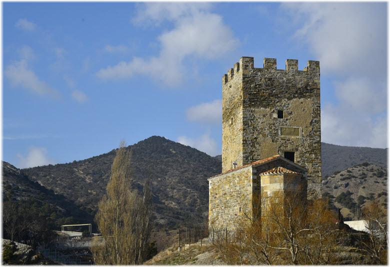 фото церкви и башни