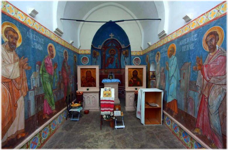 фото внутри церкви 12 апостолов