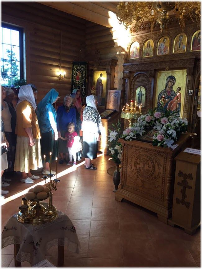 фото внутри Церкви Сергия Радонежского