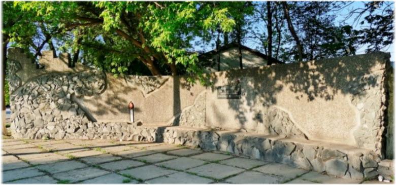 Монумент жертвам Холокоста