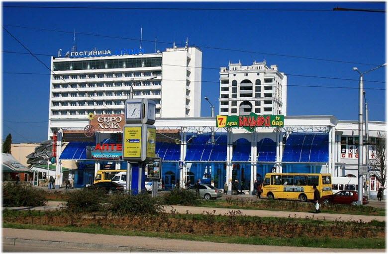 фото гостиницы Крым на площади