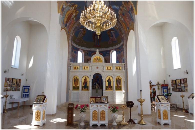 фото внутри храма Ушакова