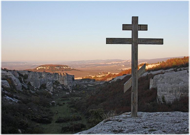 крест над храмом Донаторов