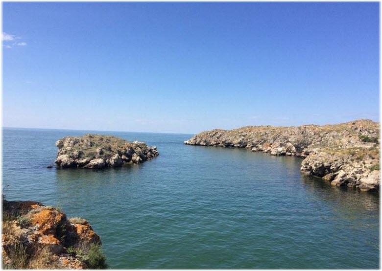 бухты рядом с Калабаткой