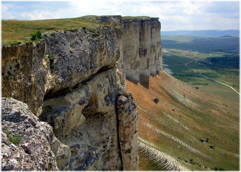 экскурсии на Белуб скалу