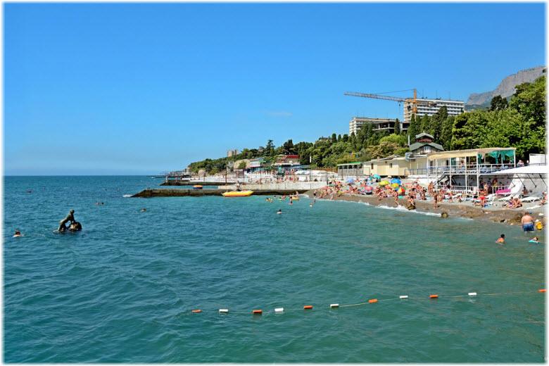 фото скульптуры и пляжа