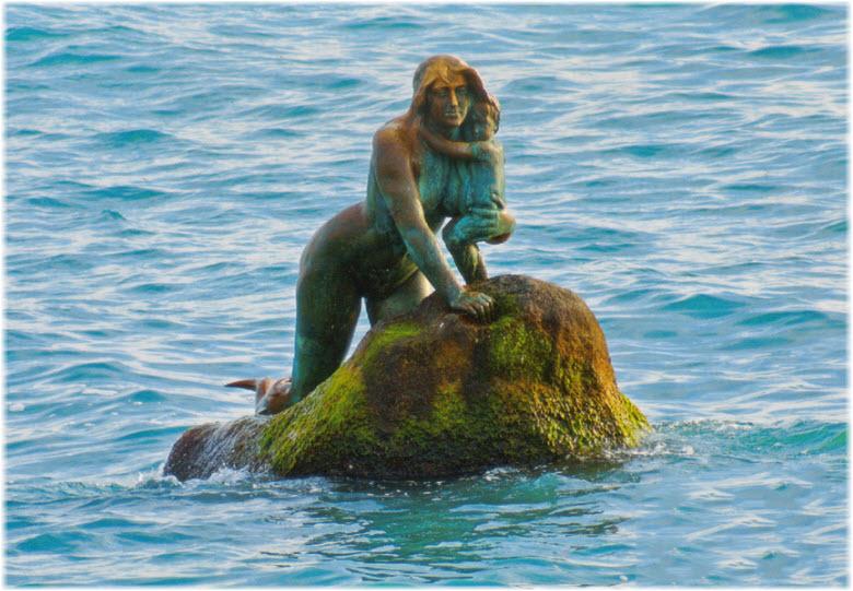 фото скульптуры Русалка