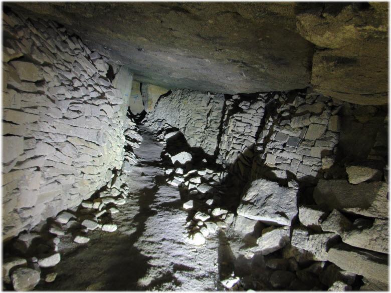ходы в каменоломнях