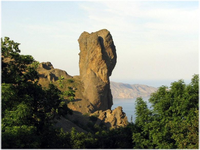 фото скалы Чертов палец