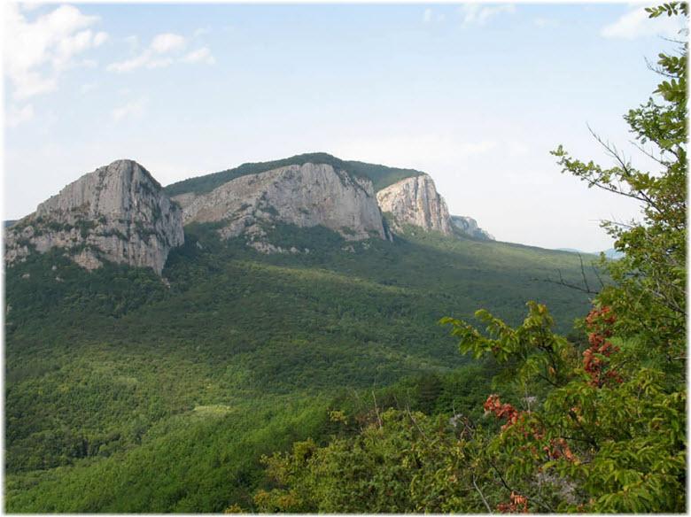 вид горы Седам-Кая