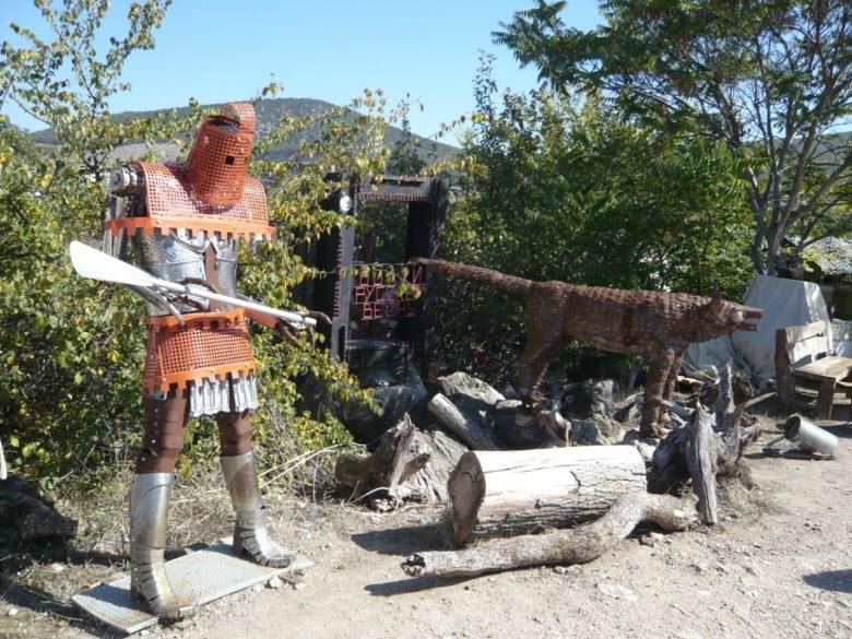Железный рыцарь-охранник трассы
