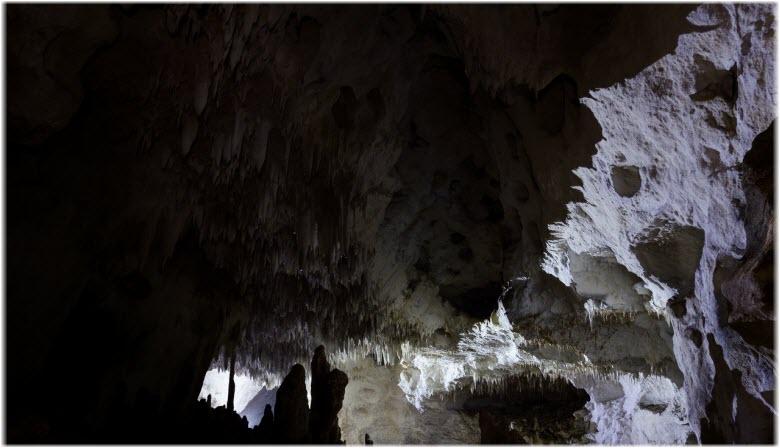 пещера Таврская внутри