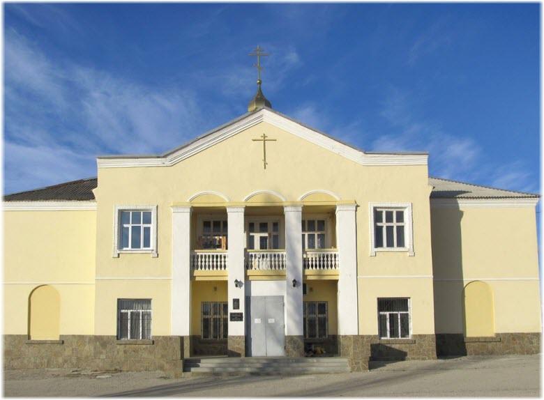 вход в Храм святителя Луки