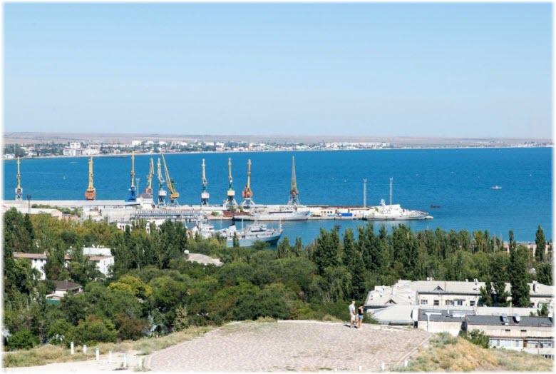 вид на порт с горы Митридат