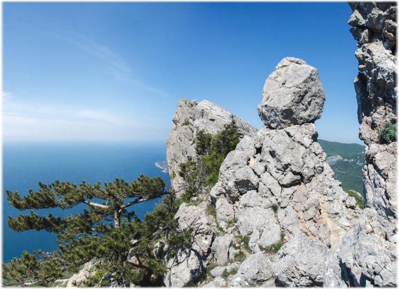скалы на Деликли-Бурун
